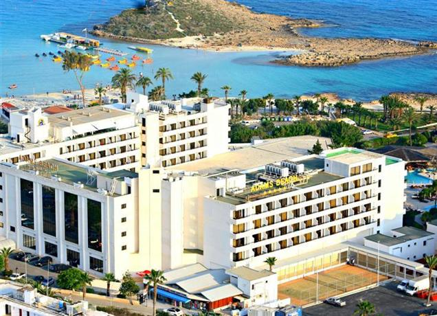 מלון אדמס ביץ קפריסין